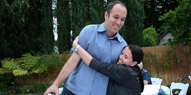 Image Gallery side hug